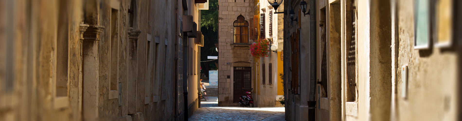 Small street in the historical center of Porec.jpg